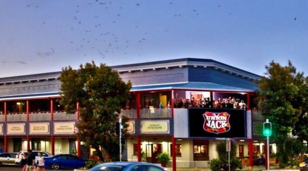 The only Pub Style Backpackers in Cairns